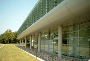 Glasfassade des Verwaltungsgebäude Büdelsdorf