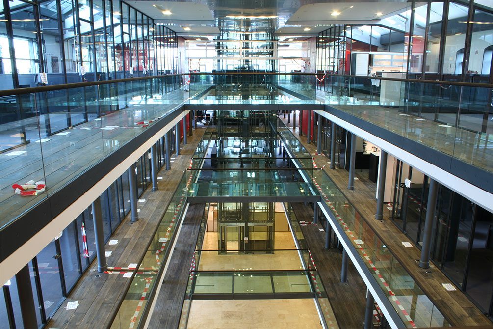 // Bürogebäude // Hamburg