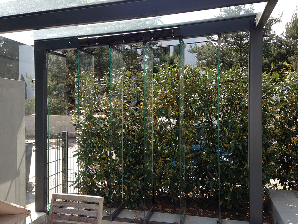 // Gartenpavillon // bewegliche Glaslamellen